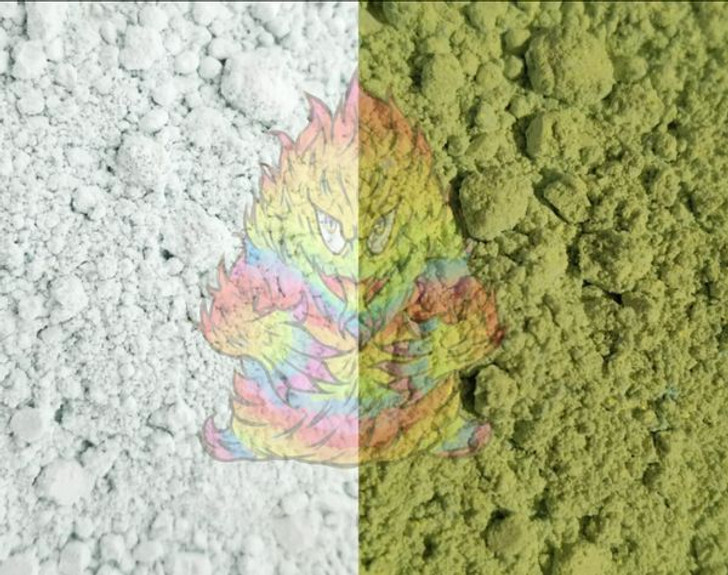 SolarColorDust® - White to Green (Fades to Yellow) - Sunlight Sensitive
