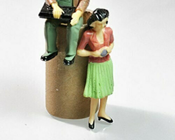 Scale Model Figures Set of 2   1:30 (58mm)  Standing Painted  Sold by 2Pc/Set   AM0034B