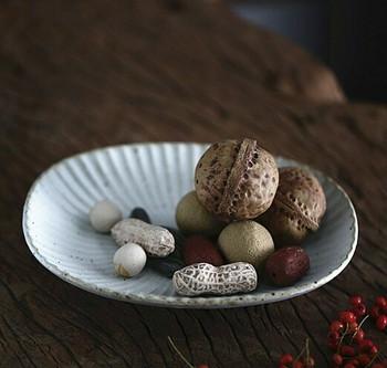 Ceramic Peanuts | H196604