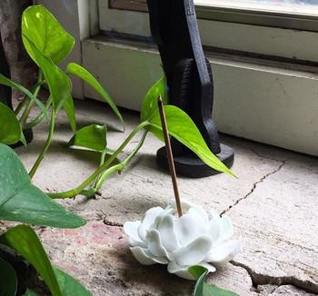 Flower Incense Holder   Small White Lotus   H20201374