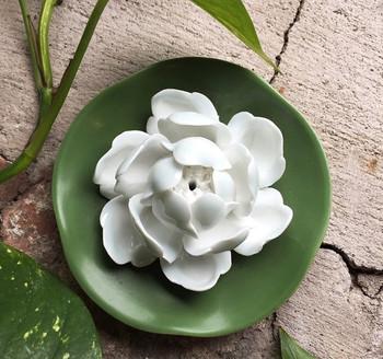 Flower Incense Holder   White Lotus on Pad   H20201377