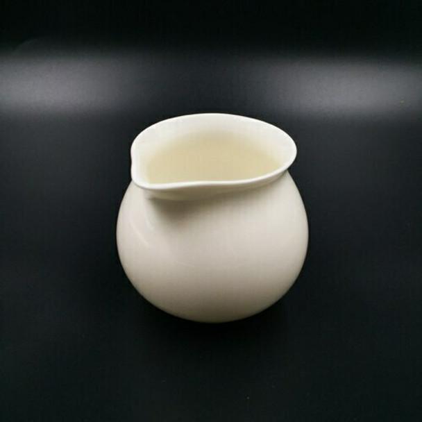 White Porcelain Creamer |  TWA15