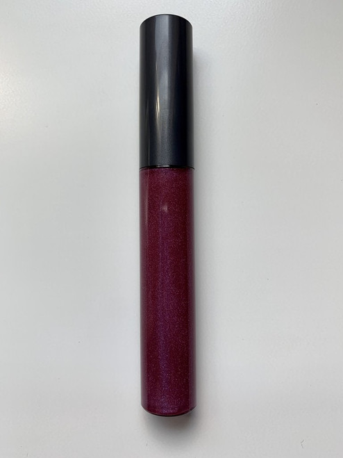 Kiss Freely Lip Gloss with Wand - Very Berry