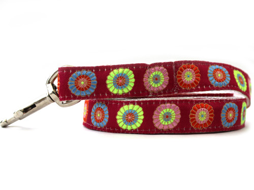 Sahara Rose dog Leash - by Diva-Dog.com shown in xs/s size