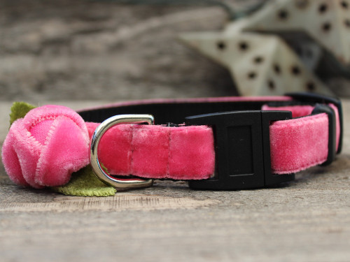 Rosebud pink cat collar by Diva-Dog.com