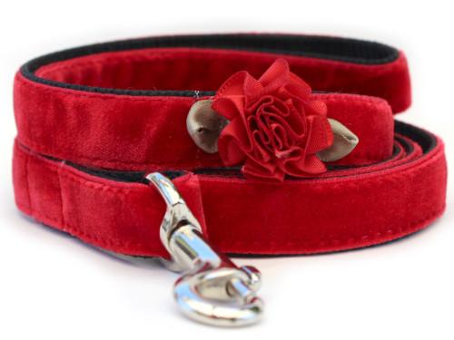 Mistletoe Red Velvet Dog Leash by www.diva-dog.com