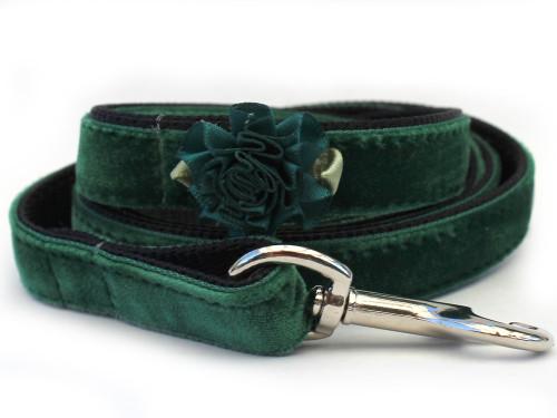 Mistletoe Green Velvet Dog Leash by www.diva-dog.com