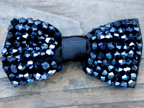 Gatsby jet beaded bow for dog collars in packaging by www.diva-dog.com