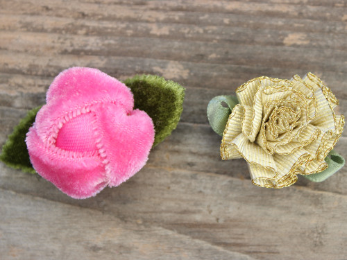 Prom date set of 2 flowers for dog collars by www.diva-dog.com