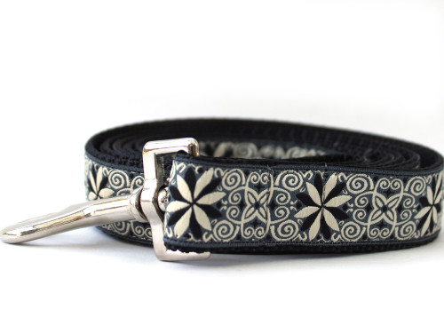 Norway Winter Dog Leash - by diva-dog.com