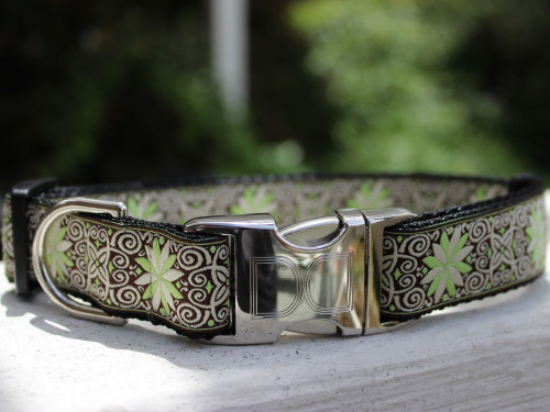 Dutch Spring dog collar by www.diva-dog.com