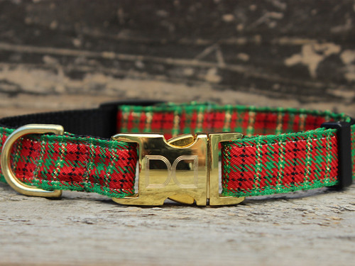 Alpine Plaid Christmas dog collar by www.diva-dog.com