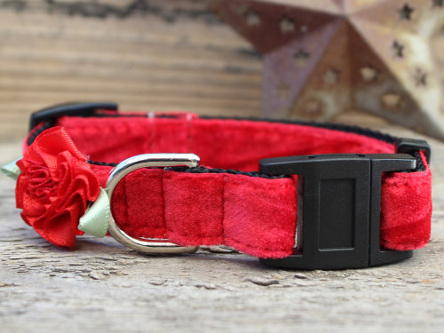 Mistletoe Red cat collar by www.diva-dog.com