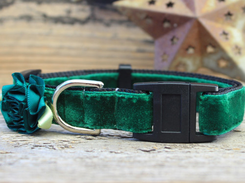 Mistletoe Green cat collar by www.diva-dog.com