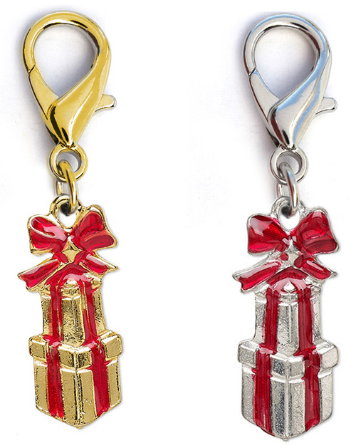 Christmas Presents dog collar charm. By www.diva-dog.com