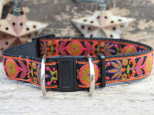 Venice Ink dog collar with breakway safety buckle by www.diva-dog.com