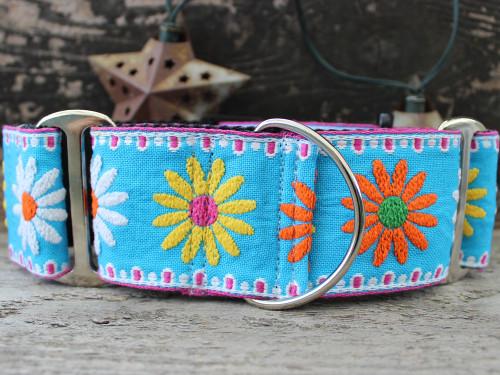 Crazy Daisy wide martingale by www.diva-dog.com