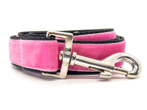 Classic velvet leash in light pink by www.diva-dog.com