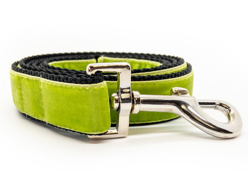 Classic velvet leash in kiwi green by www.diva-dog.com
