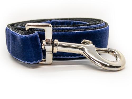 Classic velvet leash in midnight blue by www.diva-dog.com