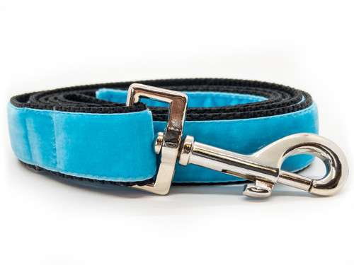 Classic velvet leash in sky blue by www.diva-dog.com
