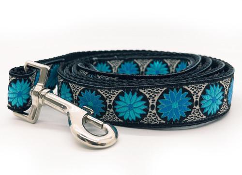 Blue Iris dog leash by www.diva-dog.com