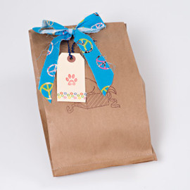 Small gift bag for cats.   Includes silly organic catnip sea cucumber and our popular small wool ball.  Natural cat toys  made with love in the USA