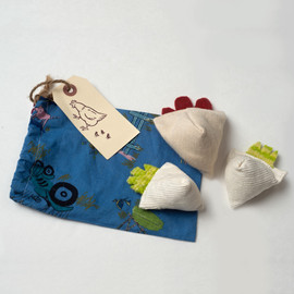 Jingle Hen and Cotton Chicks.  Catnip Free.  Washable.  Hemp and organic cotton.  Chase toys for cats, lovingly crafted in the USA. Hostess and Christmas gifts.