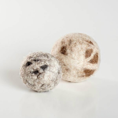 Natural wool cat toys.  Fun cat balls made in the USA! They come in two sizes:  small and large. Purrfectplay.com