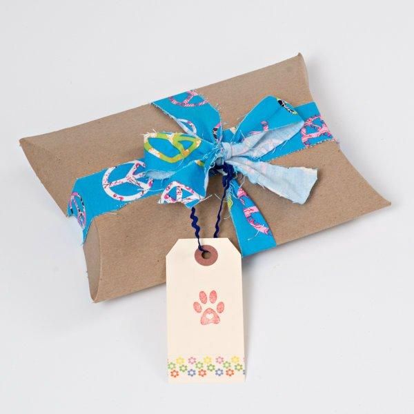gift-box-cat.jpg