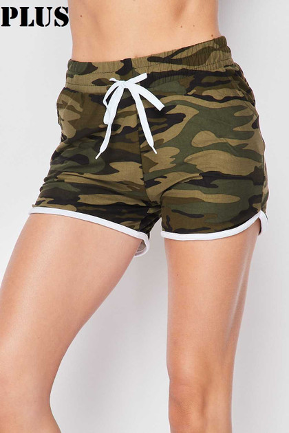 Double Brushed Green Camouflage Drawstring Waist Plus Size Dolphin Shorts with Pockets