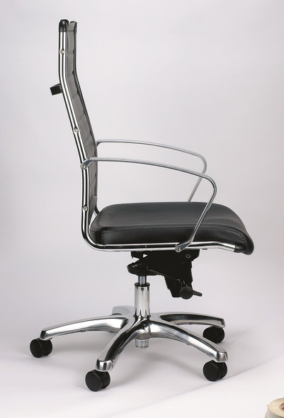 """22"""" x 25.5"""" x 35.8"""" Black Leather Chair"""