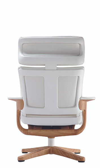 """32.5"""" x 32.3"""" x 40.75"""" White Leather Chair"""