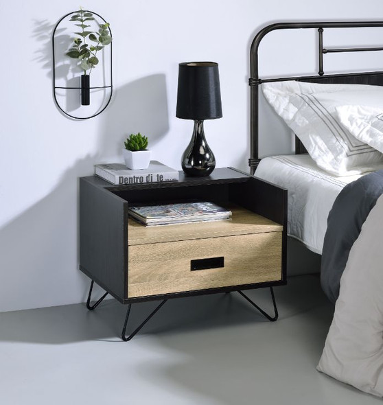 Melkree Accent Table