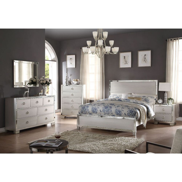 Voeville II California King Bed