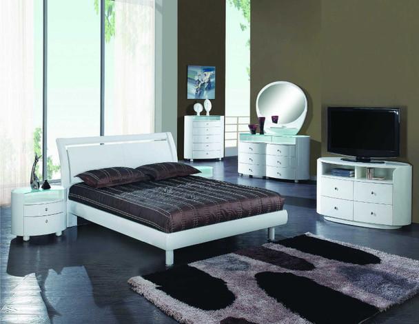 90'' X 95'' X 41'' 4pc California Modern King White High Gloss Bedroom Set