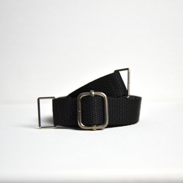 """Oxford Belt: This is why the Oxford Belt was designed... to be worn as a belt. Belt extends 25""""-50"""". (The 2 Hip Klips and Pocket Accessory add 8"""" to the circumference). Model has 26"""" waist and 32"""" hips. Belt is extended at 27"""" in image shown."""