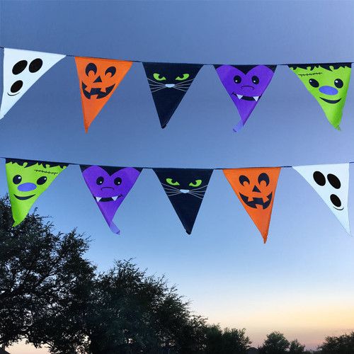 Halloween Pennant Banner - Large Plastic Flags on a Rope  - New