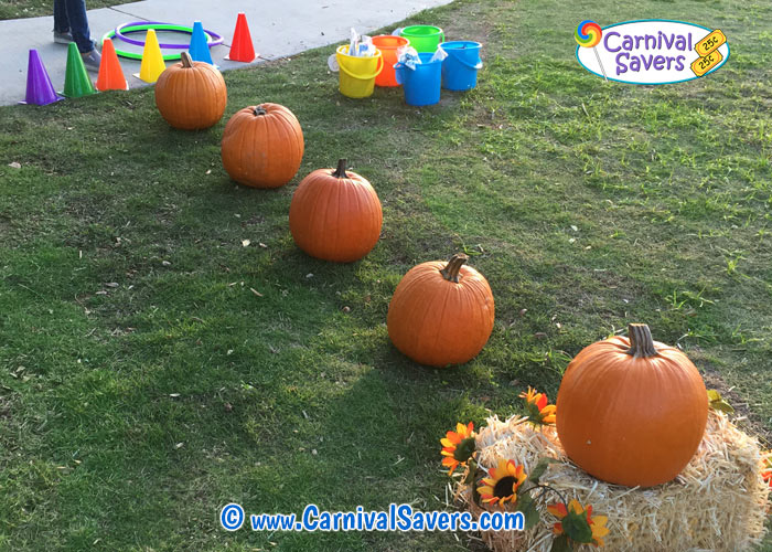 festival-game-pumpkins-in-a-row.jpg
