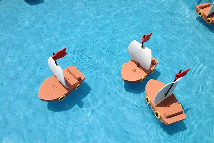 foam-floating-boats-for-carnival-game.jpg