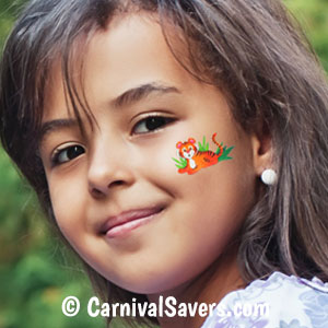 girl-with-removable-tattoo-face-decoration.jpg