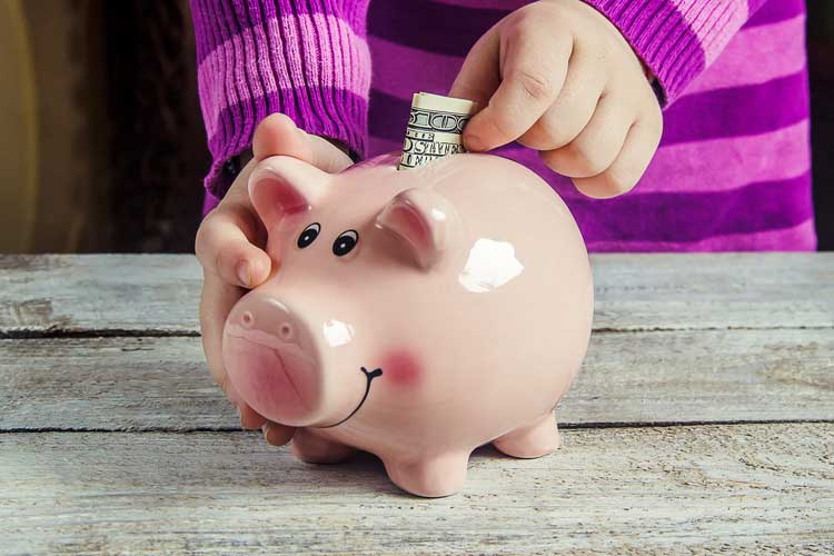 piggy-bank-with-money.jpg