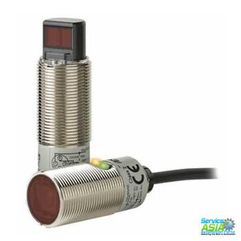 OMRON E3FB-DP21 Photoelectric Sensor, Cylindrical, Diffuse.