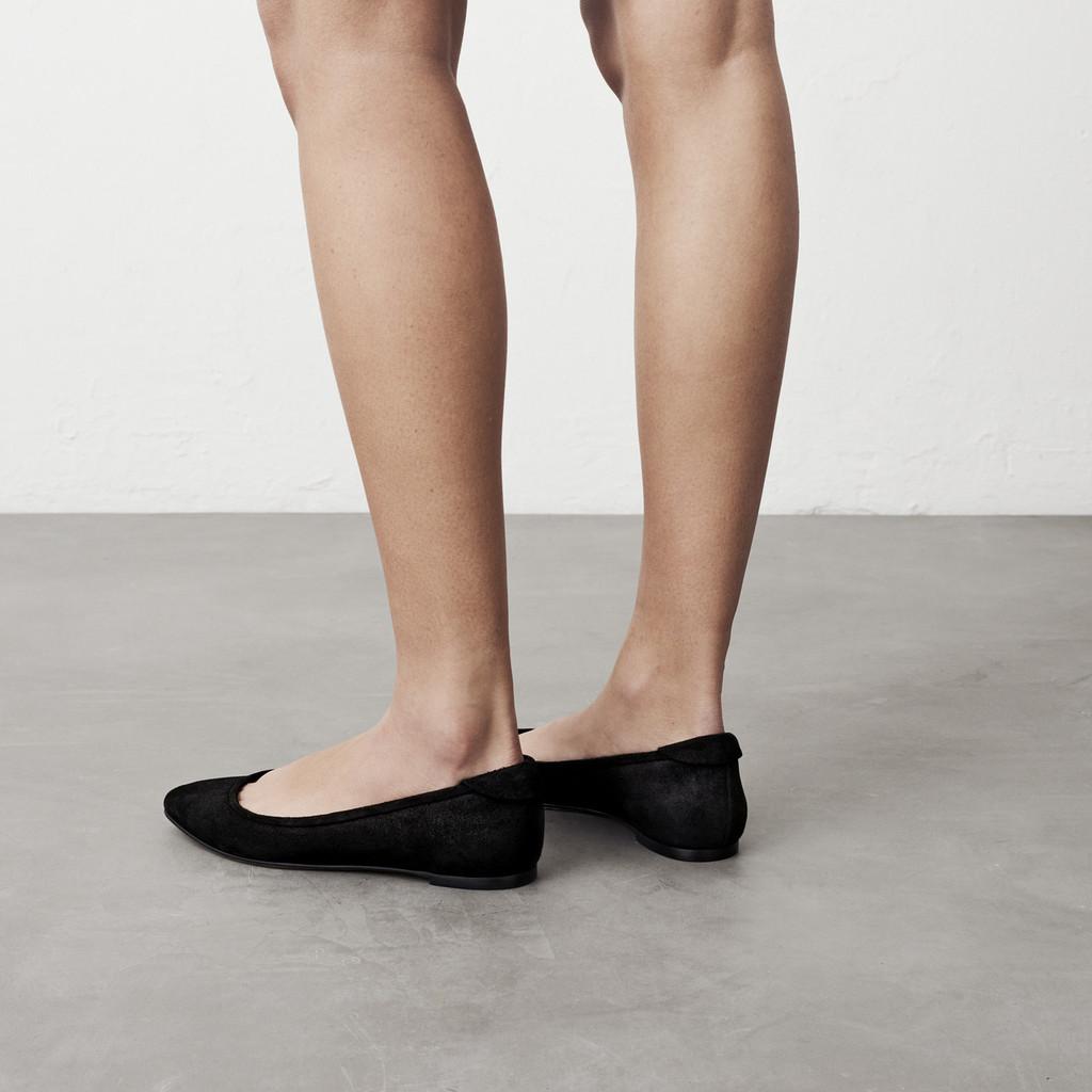 Graphite Pointy Ballerina