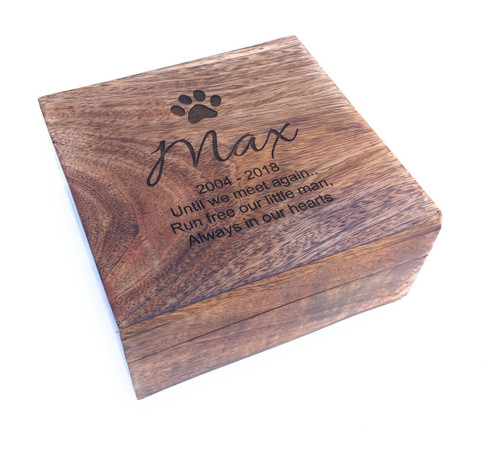 PERSONALISED SQUARE MANGO WOOD PET MEMORIAL ASHES CASKET - MEDIUM