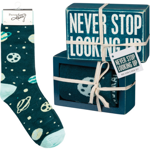 Box Sign & Sock Set - Never Stop Looking Up