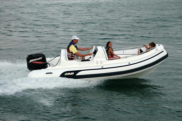 AB Nautilus 15' DLX