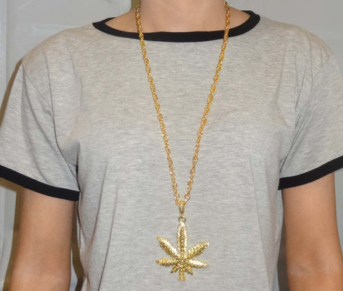 Bling Necklace Cannabis Leaf Gold