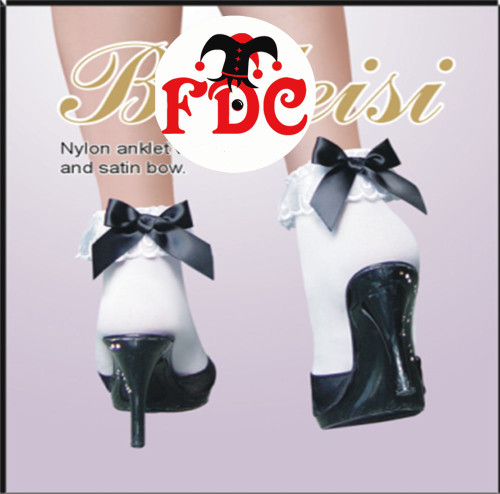 Ankle Socks With Black Bows