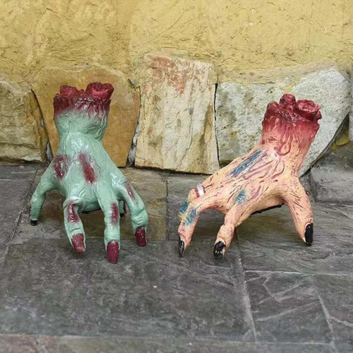 WALKING SEVERED HAND SKIN COLOURED 20 Cm WITH LIGHT